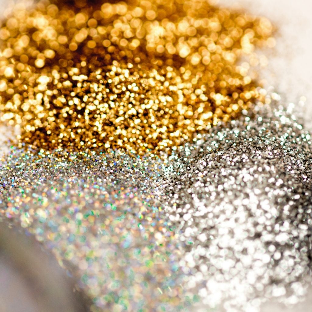 How To Glitz Up Your Look With Loose Glitter Makeup